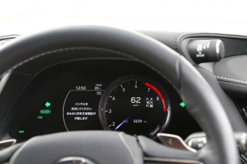 ドライバーの異常を検知すると減速し、停止する