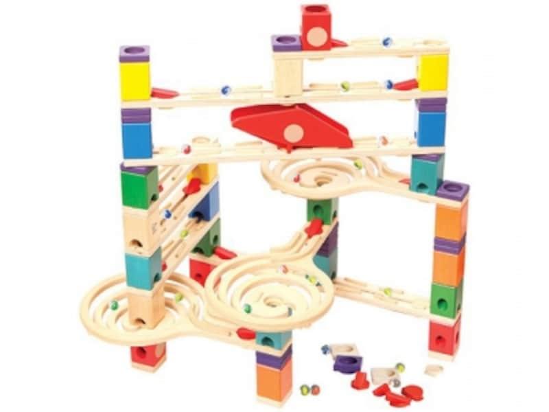 レールとブロックがはまる作りなので、しっかりとしたコースが作れます