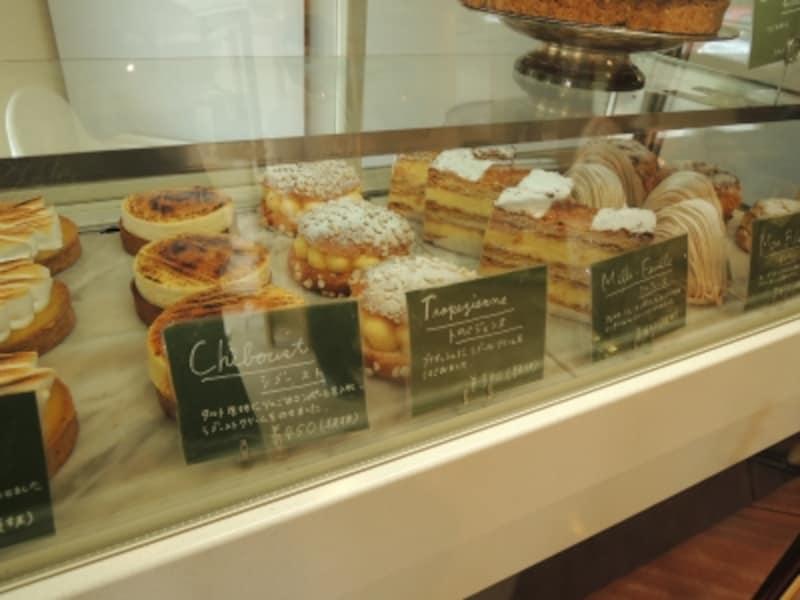 クラシックなフランス伝統菓子はサイズもフレンチ