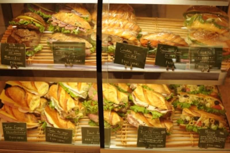 シンプルでオーセンティックなサンドイッチ
