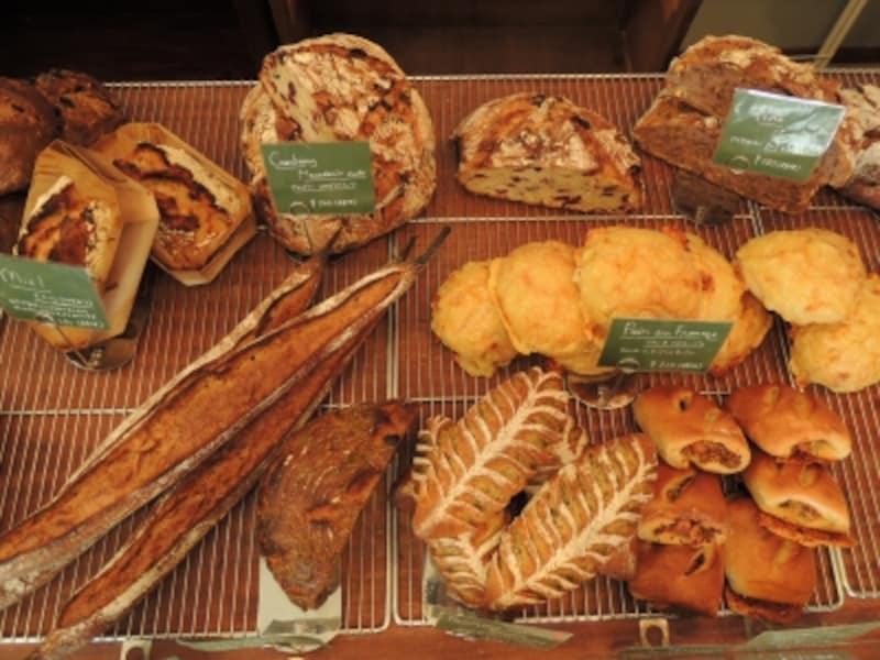 パリ仕込み、パンのセレクトショップ的ラインナップ
