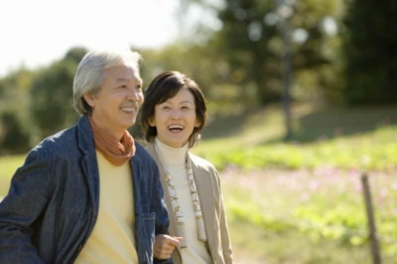 一定所得に満たない老齢年金受給者や障害・遺族年金受給者に最高月額5000円を