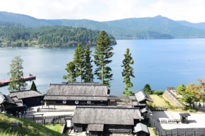 「遠見番所」からは、芦ノ湖の絶景が!