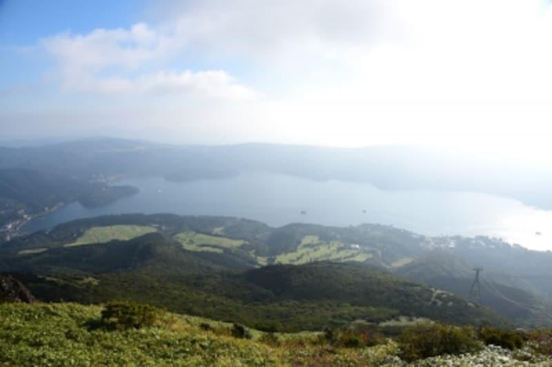 展望台からは、芦ノ湖全体が見渡せます!