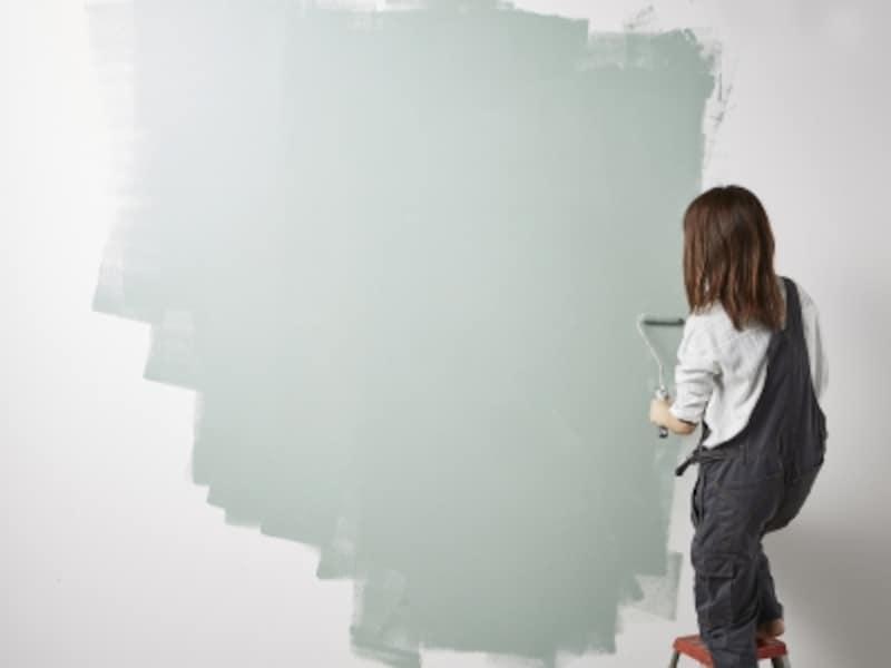 灰色は女性の多くが好まない色。好まない色に囲まれていると、能力を発揮することができません。