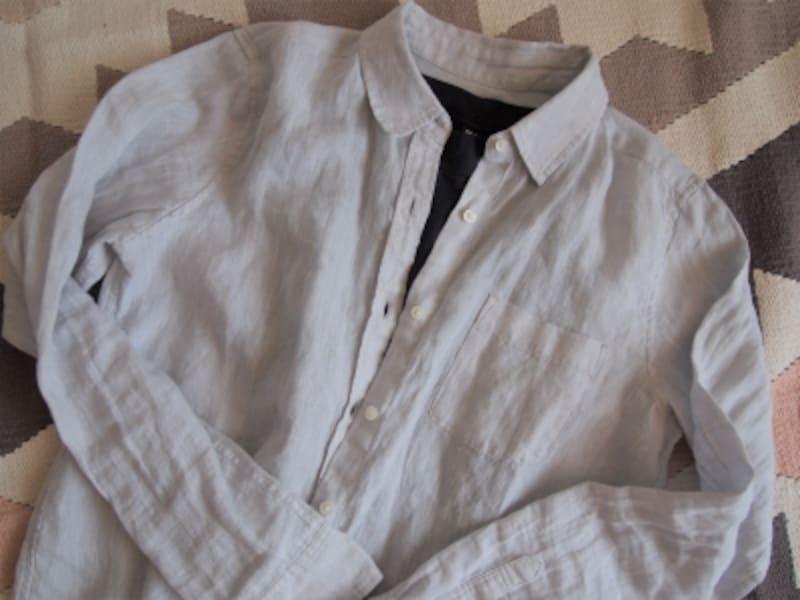 ベーシックな長袖シャツやカーディガンが使える