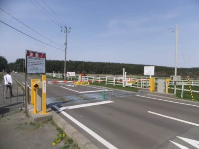 尻屋崎へ向かう道路に設けられたゲート