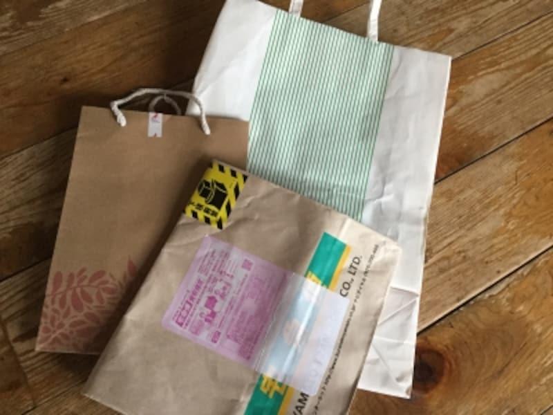 メルカリの梱包100均グッズやダンボール・紙袋等の生活品