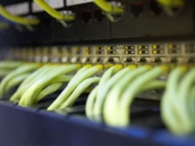 サーバ管理が大変なら、ハウジングサービスを利用する