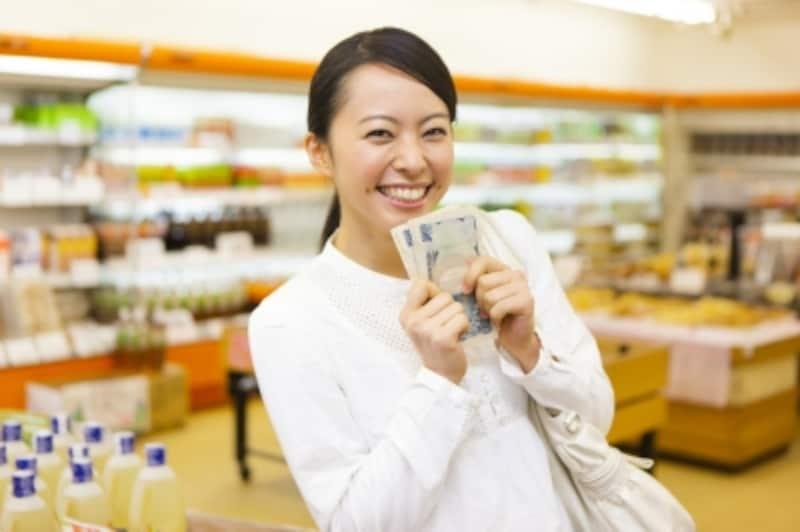 100円ショップで風水アイテムを探す。