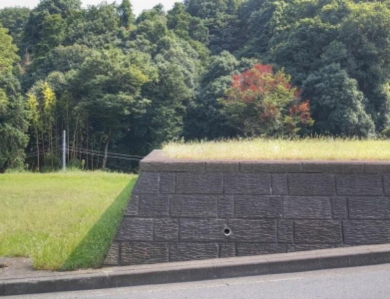 盛土と擁壁のイメージ