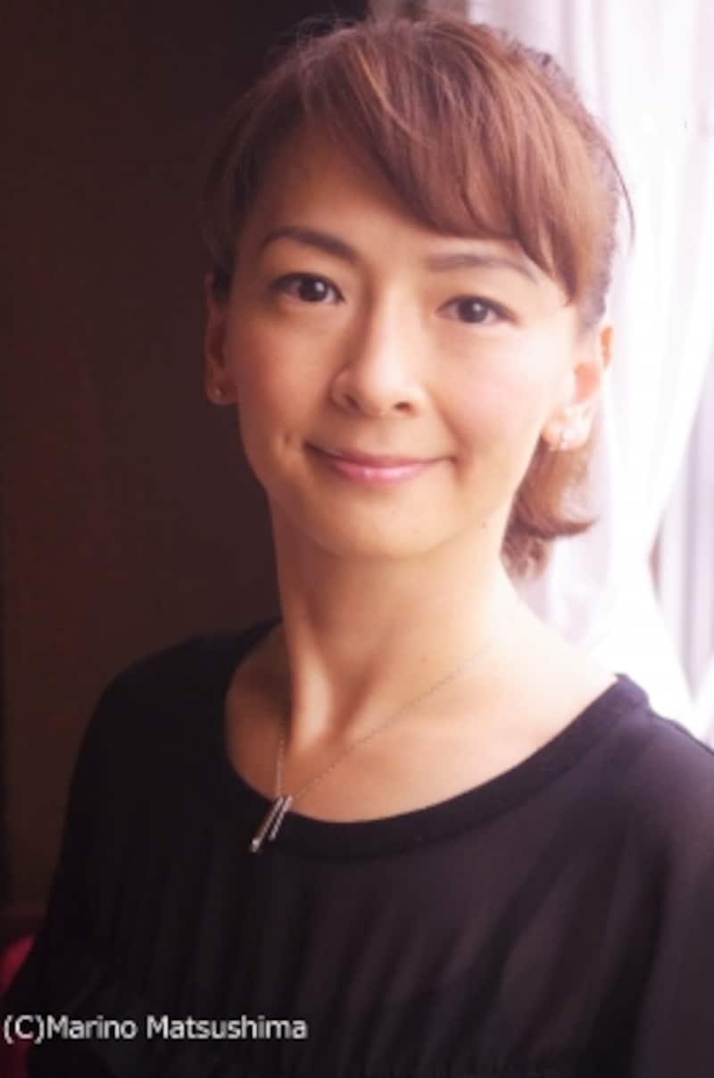 吉沢梨絵undefined東京都出身。歌手デビュー後、02年に劇団四季に入団、『夢から醒めた夢』『ふたりのロッテ』『赤毛のアン』等に主演。09年に退団後ロンドンに留学、帰国後、舞台やTVドラマで活躍を続ける。主な舞台に『マンザナ、わが町』『ILOVEAPIANO』など。(C)MarinoMatsushima