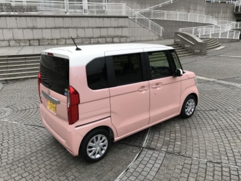 試乗車のカラーは、プレミアムピンク・パール
