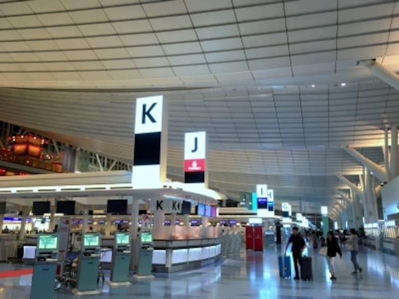オーバーブッキング,羽田空港,チェックインカウンター