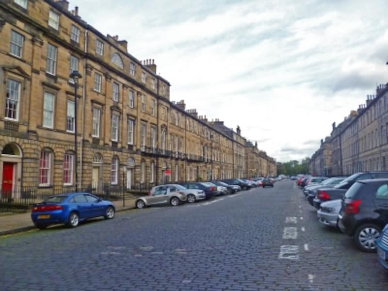新市街の整然とした街並み