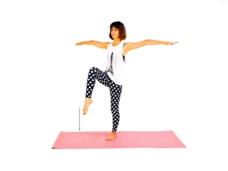 美脚エクササイズ3undefinedつま先を伸ばして足の甲を刺激