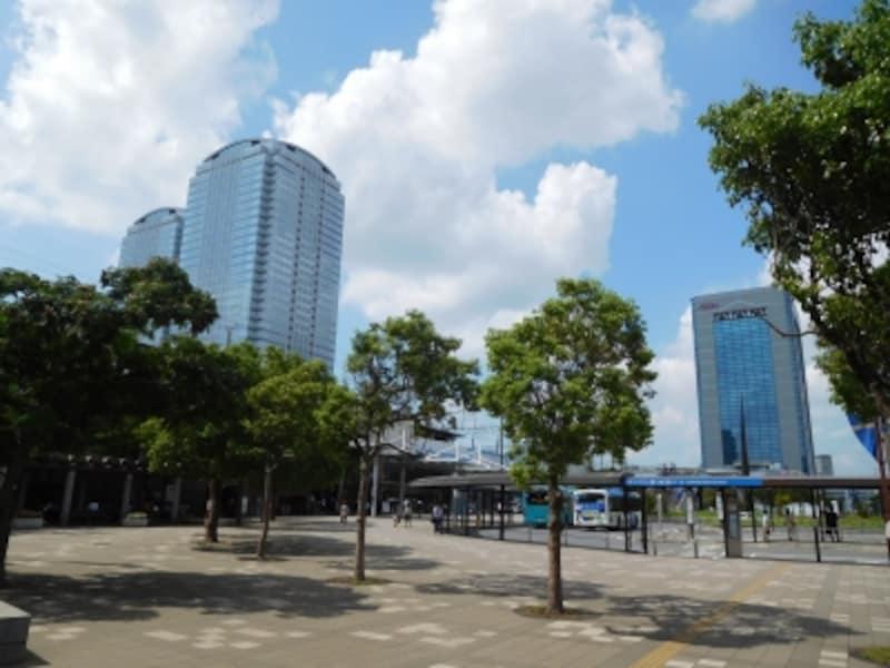 「海浜幕張」駅前のオフィス地区