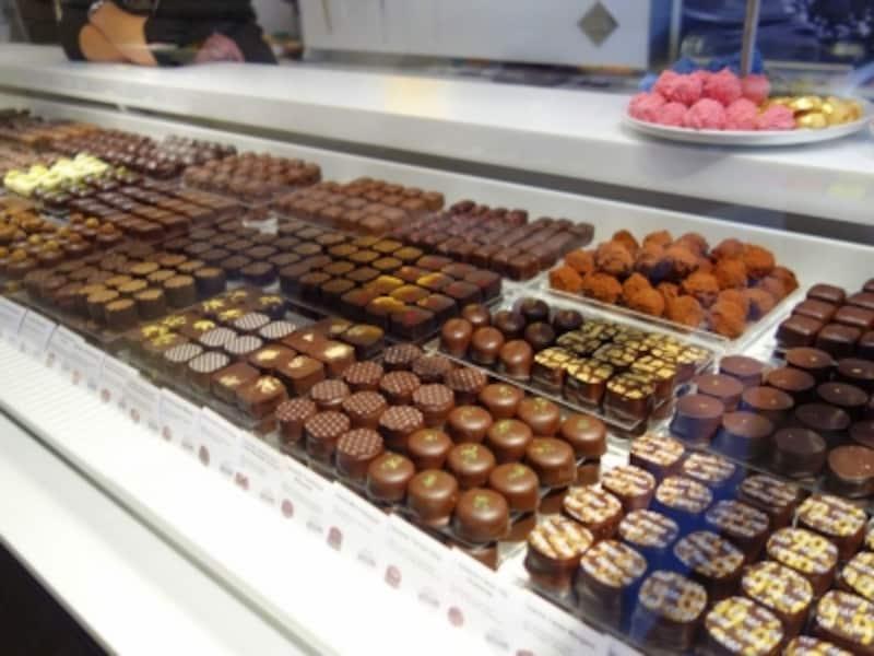 ボンボンショコラの中のプラリネもすべて自家製