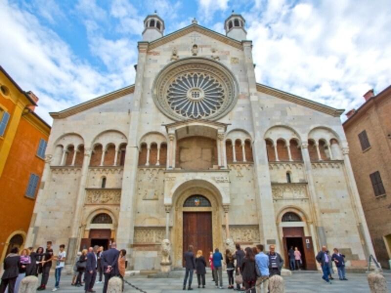 モデナ大聖堂の西ファサード
