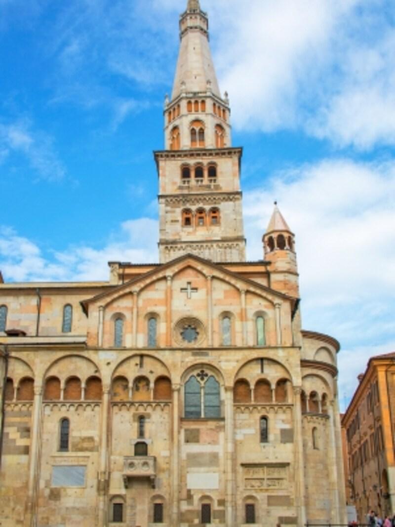 モデナ大聖堂とトッレ・チヴィカ