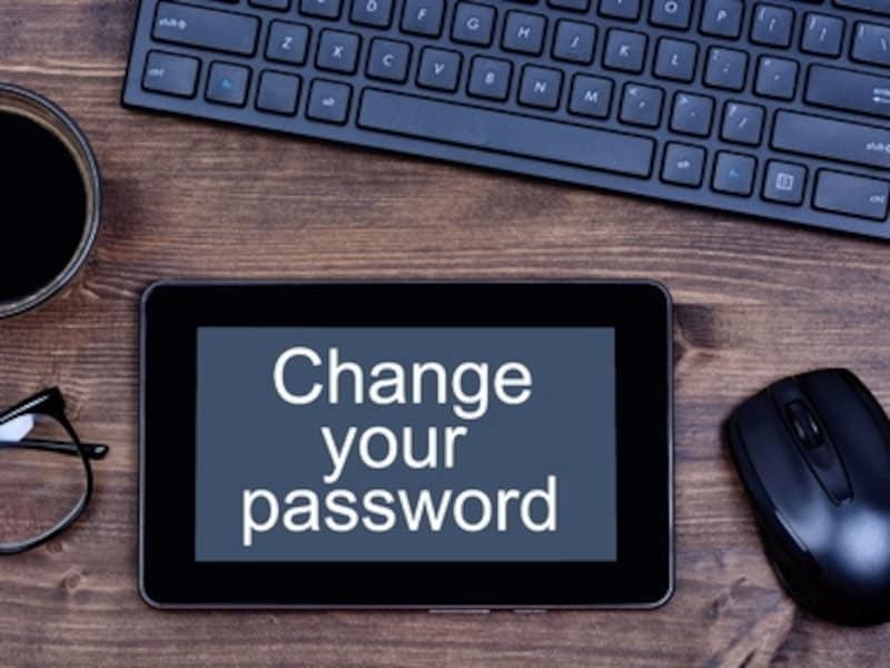 ネット銀行や大手WEBサービスも、パスワードの定期的な変更を推奨しています