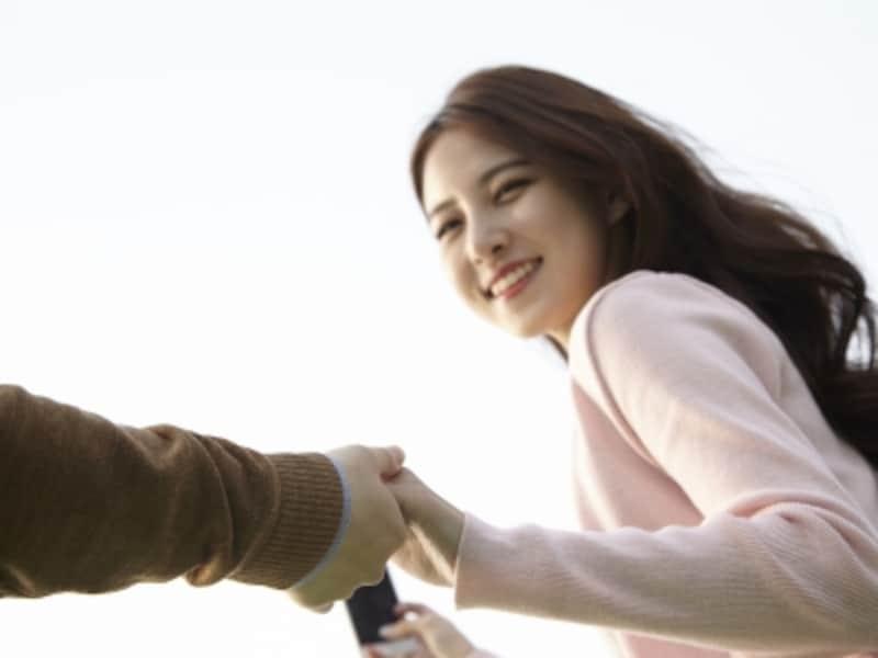 20代後半、結婚適齢期と言われる年代の独身女性たちが不倫をする胸のうちとは。