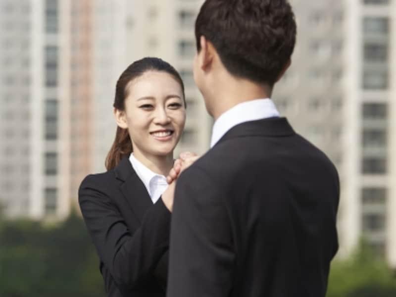 会社に一歩入ったら「鉄面皮になる」と決めているという27歳の女性。