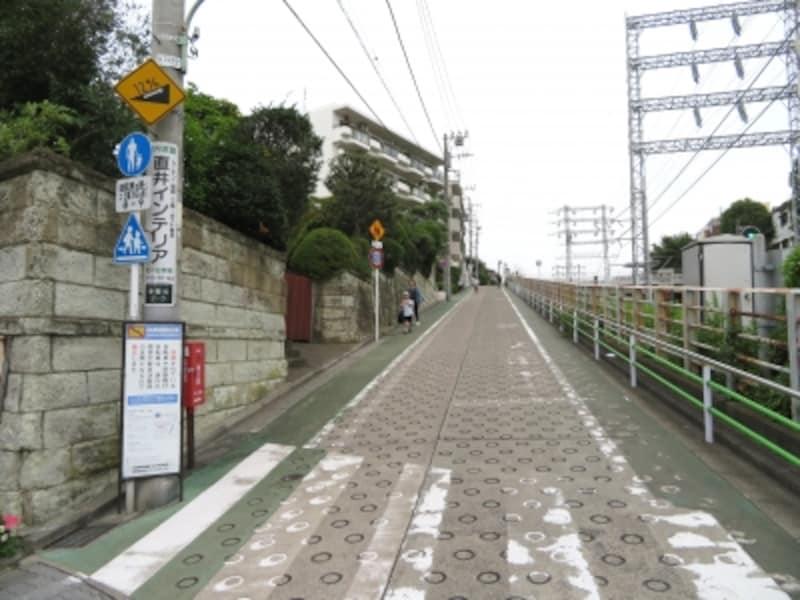 石川台の坂道