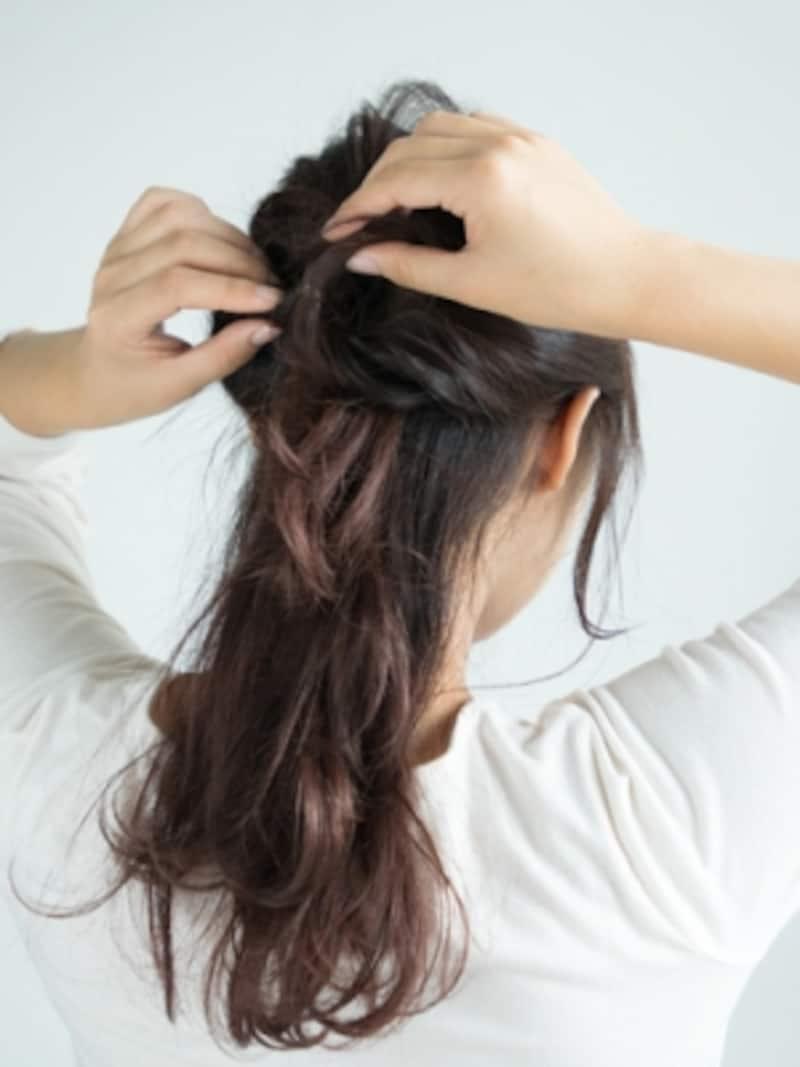 両サイドの髪をひとつに結んでくるりんぱ