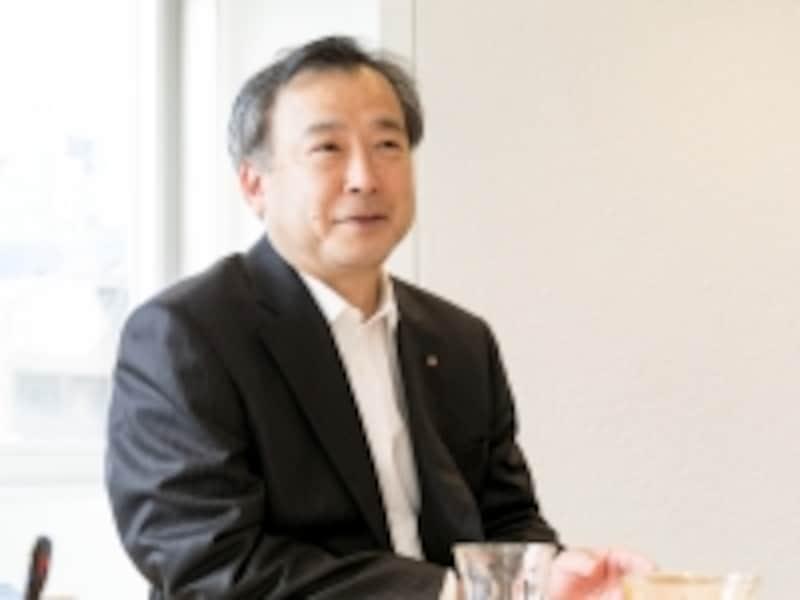 今回お話を伺った、三井ホームundefined東京中央オーナーサポート部長undefined豊島秀一さん。「私たちは、50年、60年、さらにもっと先も愛着を持って家を住み継いで頂きたいと思い、ホームドクターのような気持ちでメンテナンスとリフォームをご提案しています」