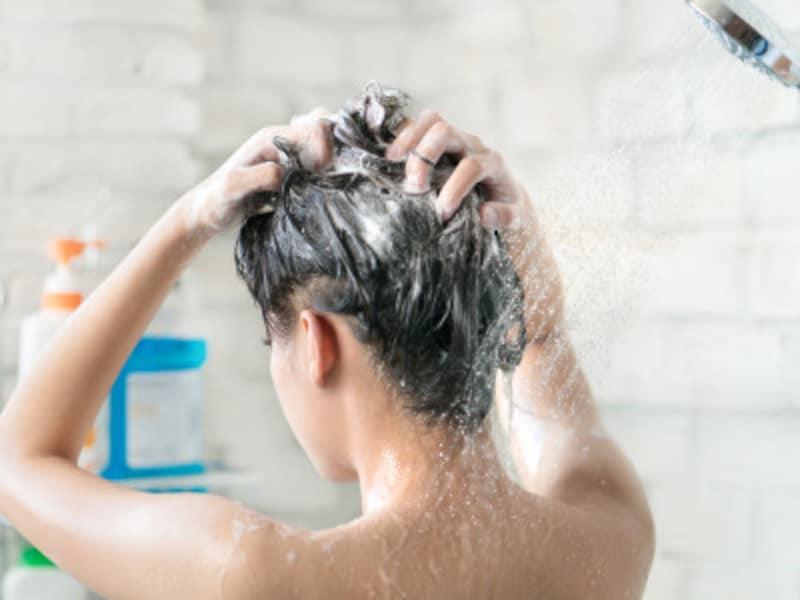 髪と頭皮のために正しい洗い方をマスターしましょう