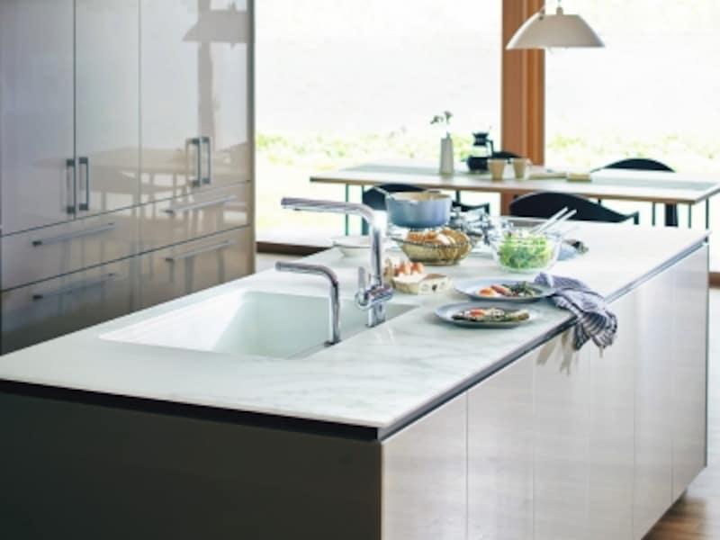 フラット対面スタイルのキッチン