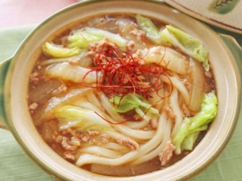 とろりとしたあんかけが野菜とうどんによくなじむ、大根と白菜の肉あんかけ鍋うどん