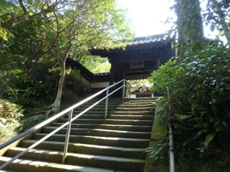 円覚寺境内如意庵・安寧の入口