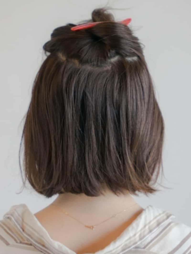 ハチ上の髪をざっくりとる