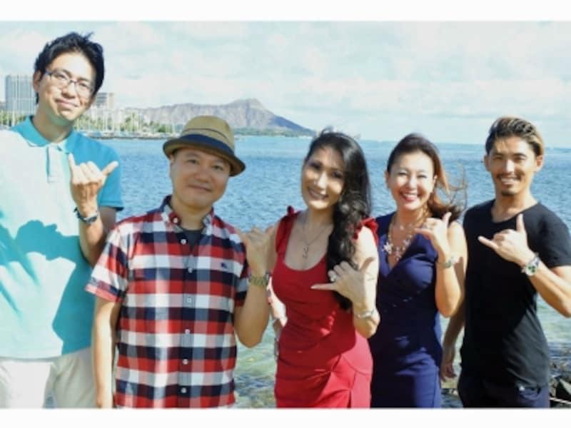 レイコ・キーファート氏(右から3番目)と、ガイド大木隆太郎(左から2番目)。