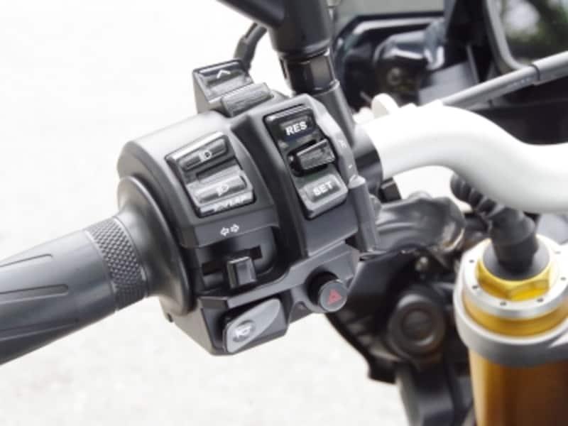 MT-10SPは左側ハンドルスイッチでモード変更ができる