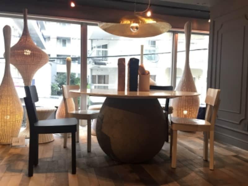 ジェルバゾーニのダイニングテーブル