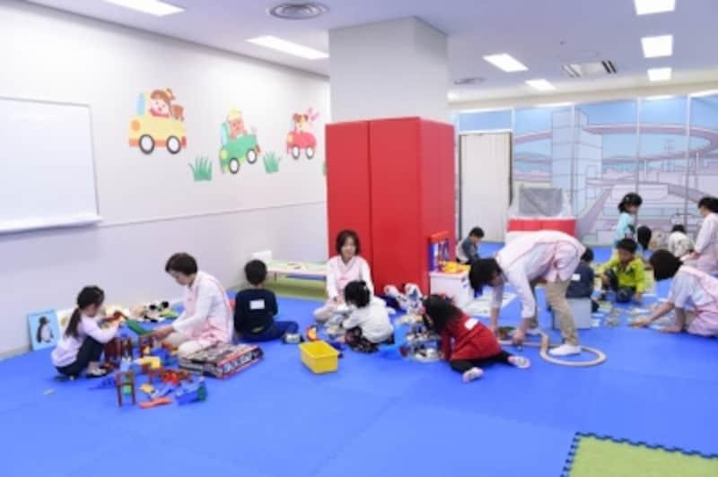 乳児・幼児サービスセンター内。スタッフが常駐