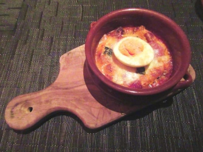 豚肉と仔牛のナポリ風ラザニアゆで卵ミートボール