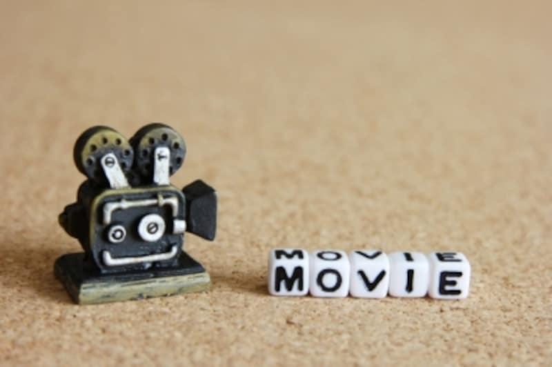 映画の字幕と吹替えイメージ