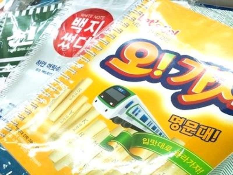 韓国で有名な食品のパロディノート。ポップなデザインがカッコよかったりします