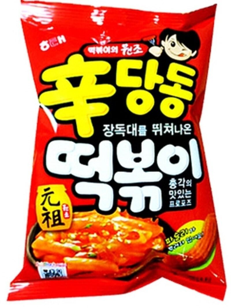 これ以上韓国ならではのお菓子は無い!と言えるほど、韓国だからのトッポキスナック菓子。評価は分かれるけれど、ハマる人はハマる一品【ソウルのおすすめお土産】