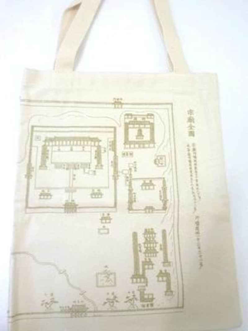 世界遺産の宗廟が描かれたエコバッグ。なかなかオシャレじゃありませんか?【ソウルのおすすめお土産】