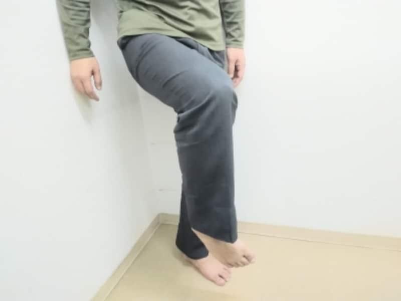 足首を回す際にそれぞれの角度により筋肉が気持ちよく刺激されるようにゆっくり動かしましょう