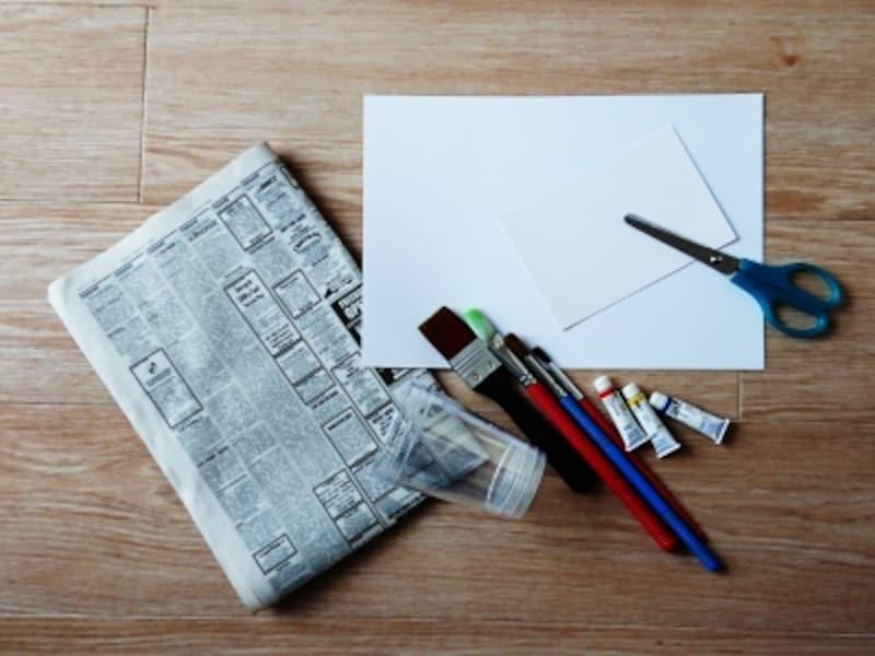 にじみ絵の材料、今回ハガキ、画用紙、水彩紙を用意