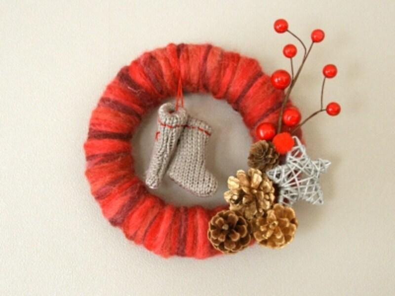 100均材料で手作りする簡単なクリスマスリース