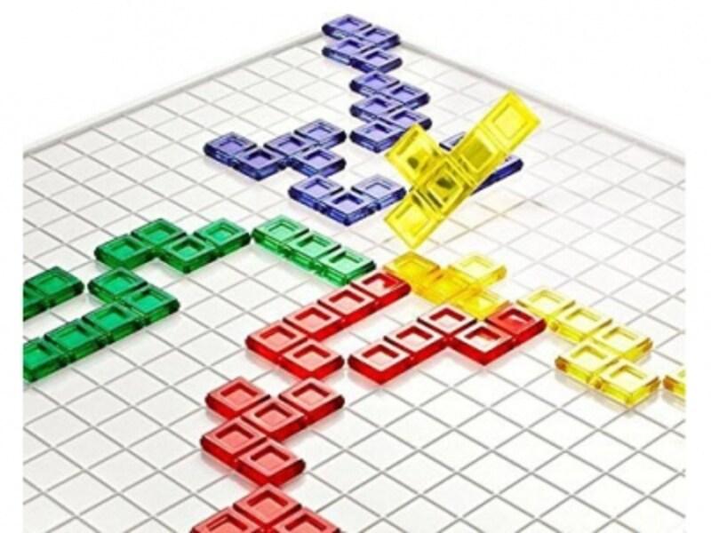2~4人でプレイできるほか、一人でパズル遊びもできます