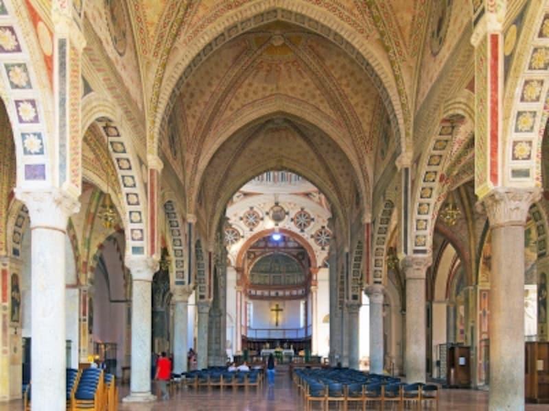 サンタ・マリア・デッレ・グラツィエ教会の身廊部