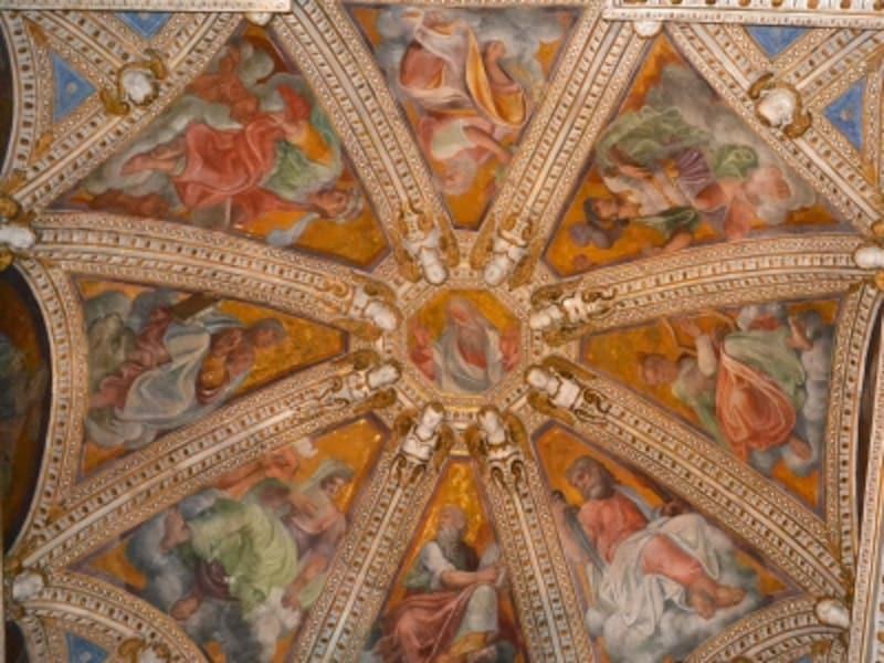 洗礼者ヨハネ礼拝堂の天井部
